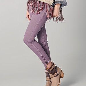 Free People • Violet Milenium Cropped Skinny Jeans